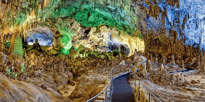 casas-de-leon-lifestyle-outdoor-carlsbad-caverns-2